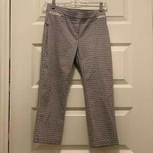 Loft Capri pants size small & very comfortable!